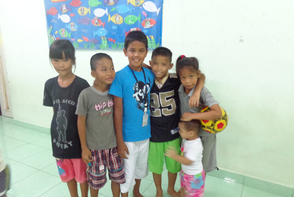 Adoption Child visit Pattaya Orphanage